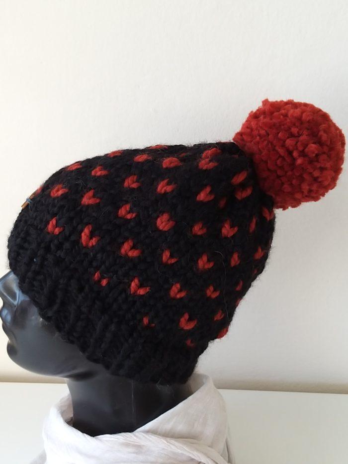czapka z pomponem